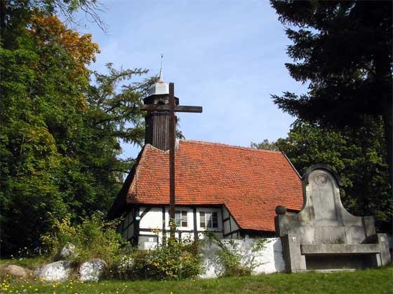 Zabytkowy kościół (1607 r.) w Objeździe
